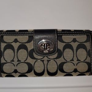Coach Wallet- Very good condition
